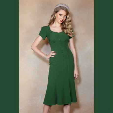 Comfortabel en stijlvol, een eenvoudige jurk met een luxueus randje, dat is de Megan Sweaterdress. En met deze videotutorial ook voor beginnende naai(st)ers haalbaar!