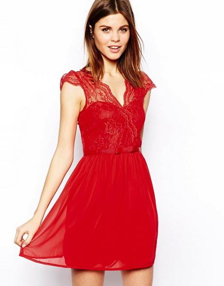 Zien: Kim Kardashian in ordinaire jurk Supportert Meghan Markle subtiel Rode, jurken online kopen Gratis